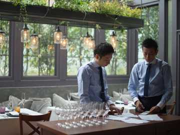 [A][P]ウェディング・披露宴等のサービス&レストランホールSTAFFのイメージ