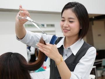 [社]完全週休2日でプライベートも大事に出来る!美容師のイメージ